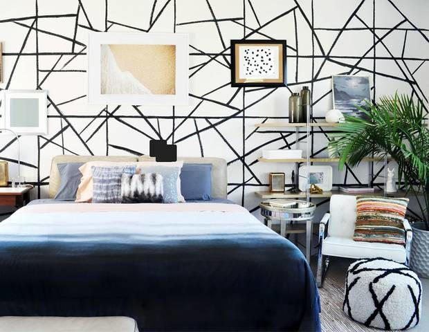 diy-faux-wallpaper-by-thedesignconfidential-black-and-white-bedroom-539612681c60681c6d00d4be-w620_h800