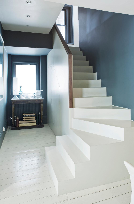 JOA STUDHOLME'S LONDON HOME: HALLWAY WITH STAIRCASE
