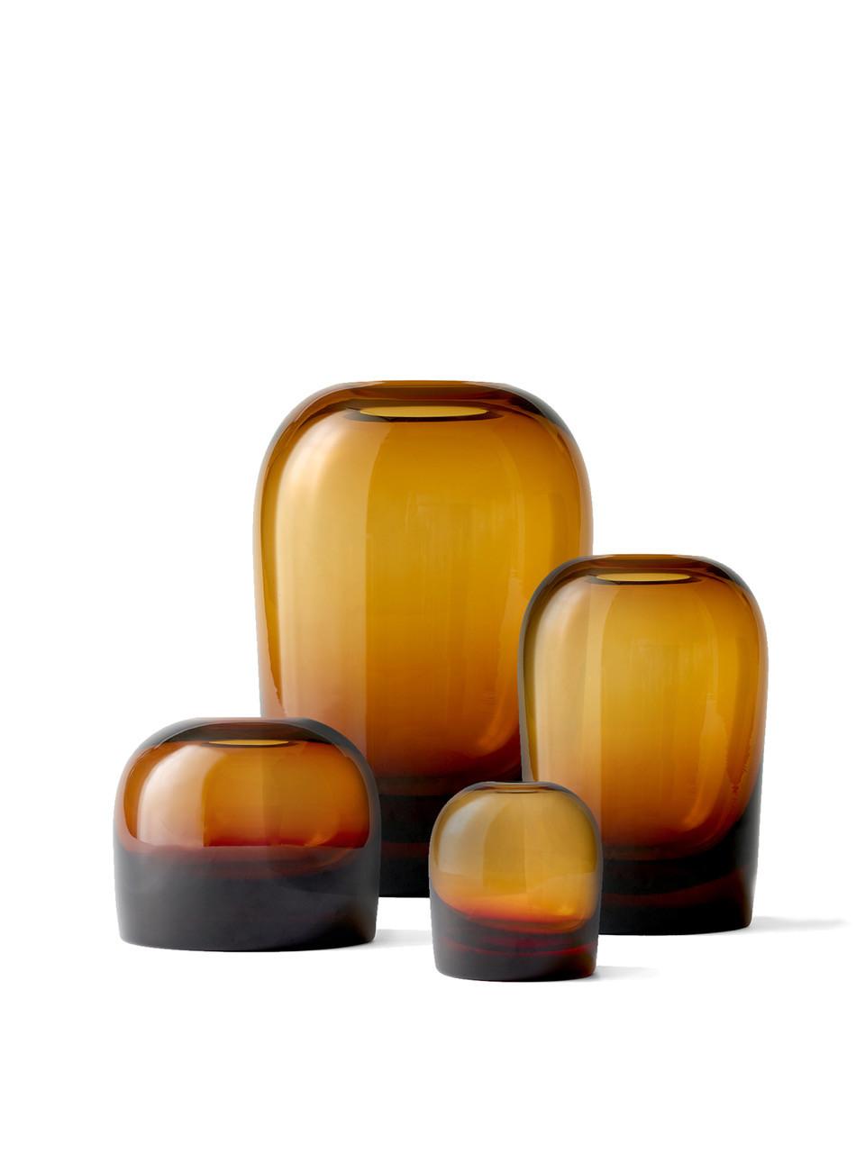 Taça Troll, o que começou por ser um estudo das propriedades do vidro, resultou nesta peça dinâmica; design de Andersen & Voll, para a Menu, na Casas com Design