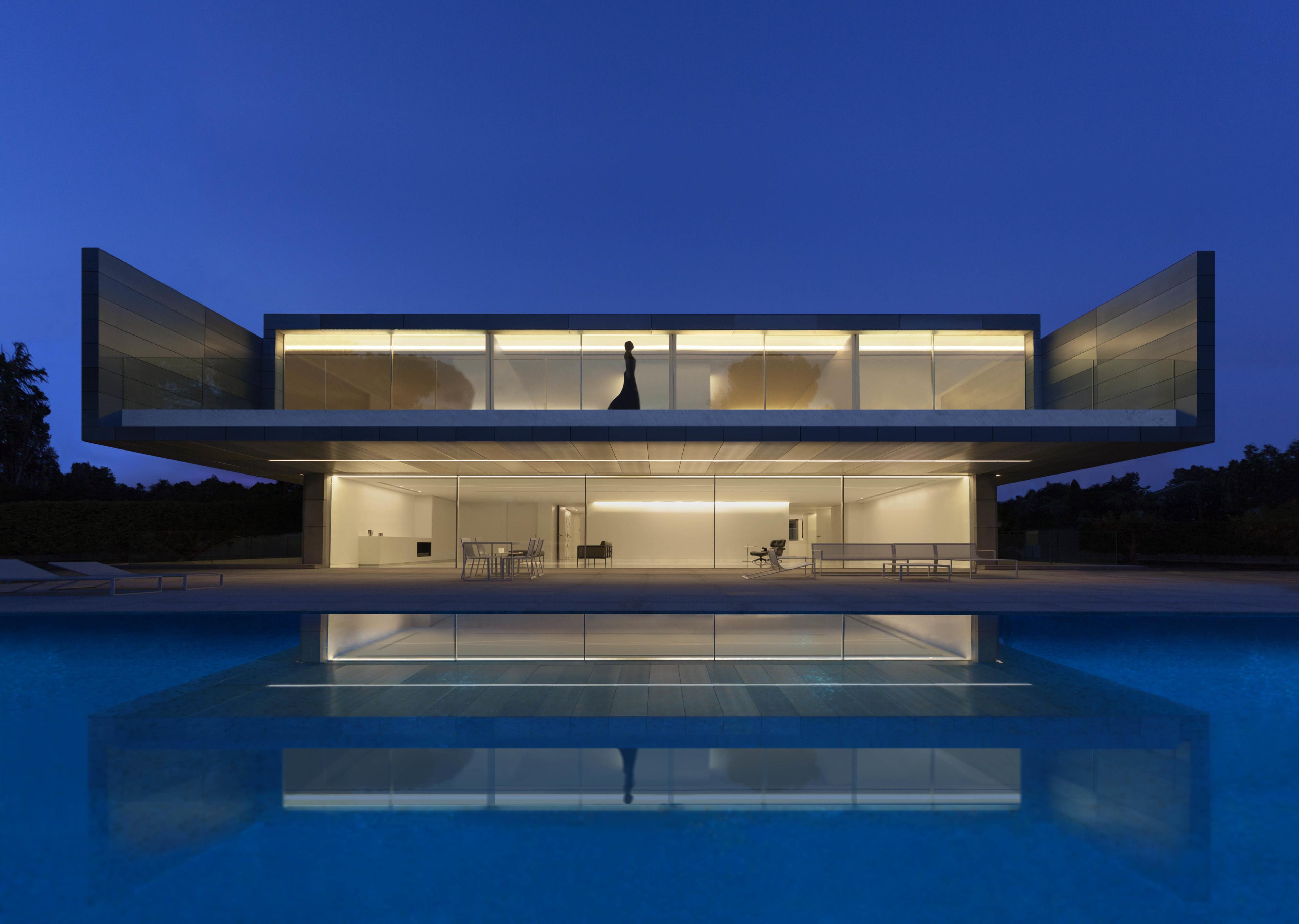 Gandiablasco, Blau Aluminum House