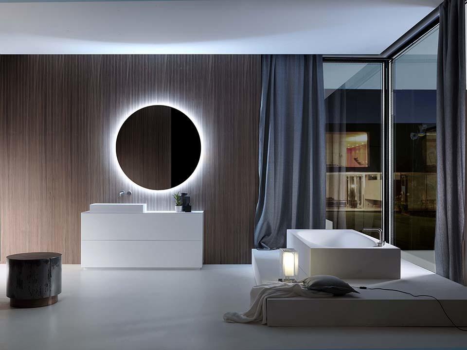 Da Falper, Pure, por Métrica Design, que assina a nova coleção. Móveis disponíveis em alturas de 36 e 50 cm, suspensos, e com 76 cm, assentes no chão, em falper.it