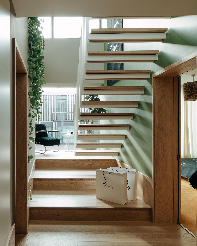 Bella Freud Apartment -Entrance Hall -Retrouvius-Televison-centre-006-Web (27)-© Michael Sinclair