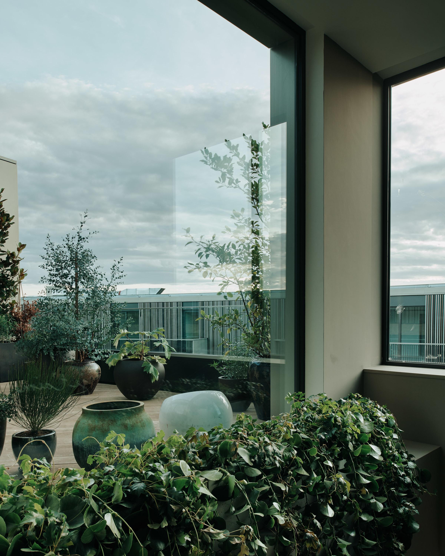 Bella Freud Apartment -Exterior -Retrouvius-Televison-centre-006-Web (4)-© Michael Sinclair