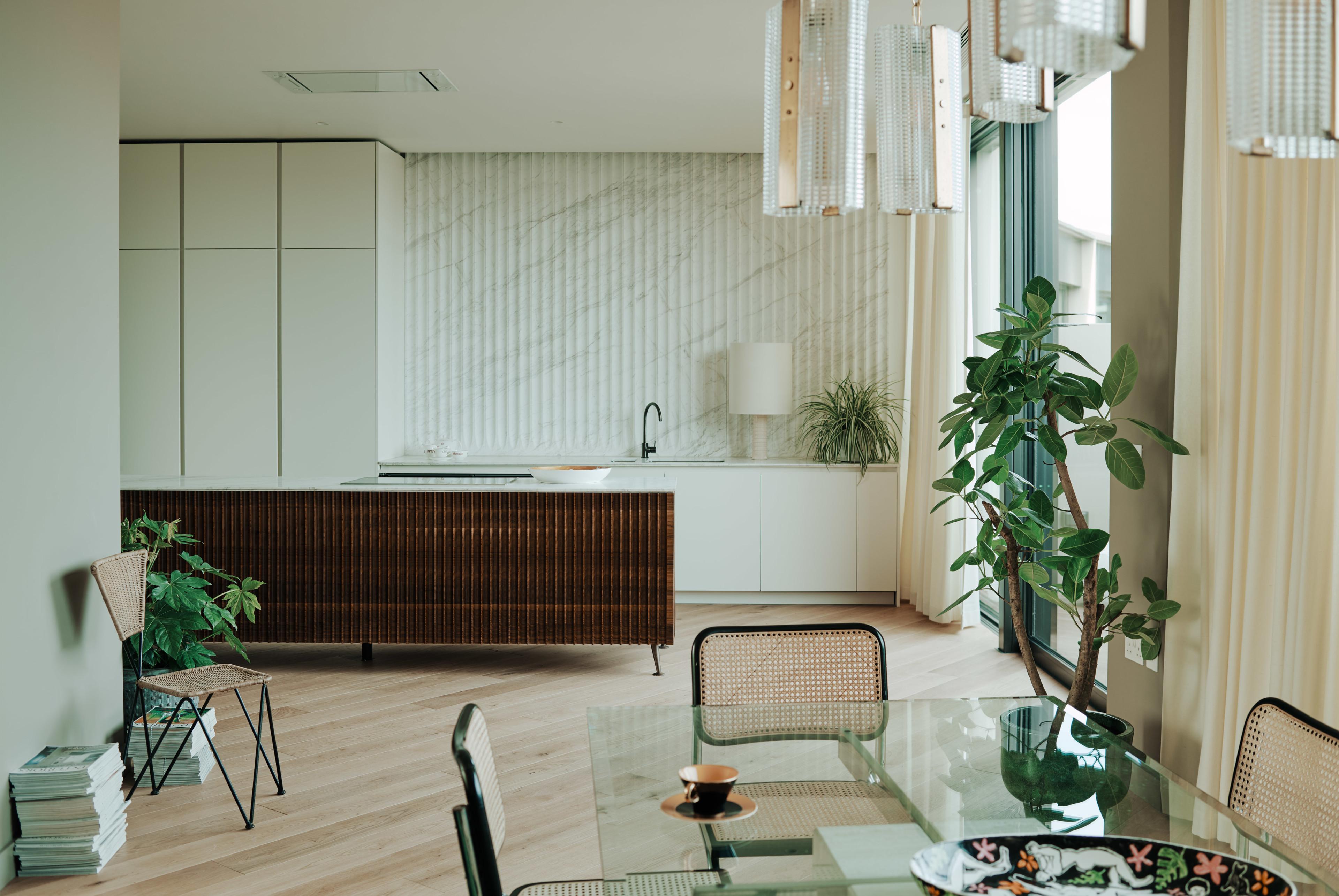 Bella Freud Apartment -Kitchen-Retrouvius-Televison-centre-006-Web (18)-© Michael Sinclair