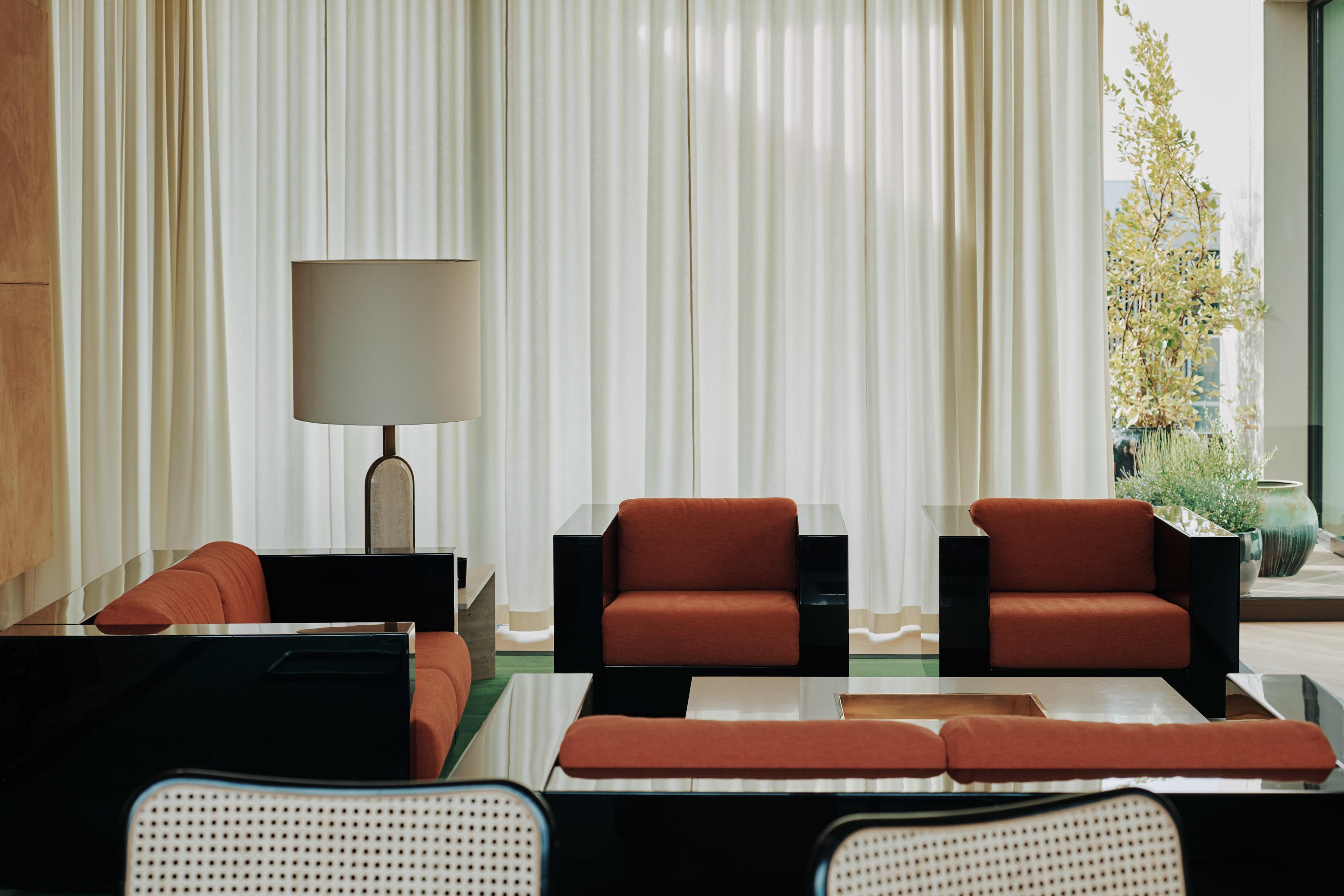 Bella Freud Apartment -Living Room-Retrouvius-Televison-centre-006-Web (10)-© Michael Sinclair