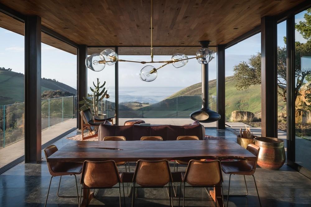 Santa Barbara Coast House por Jessica Helgerson Interior Design Foto: Aaron Leitz
